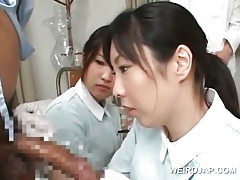 Asian carefulness telling handjob slurps jizz away be incumbent on flannel